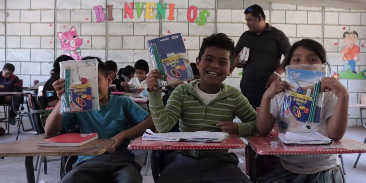 Cuadernos con Corazón apoya educación de niños de escuelas en San Miguel Petapa y Villa Canales