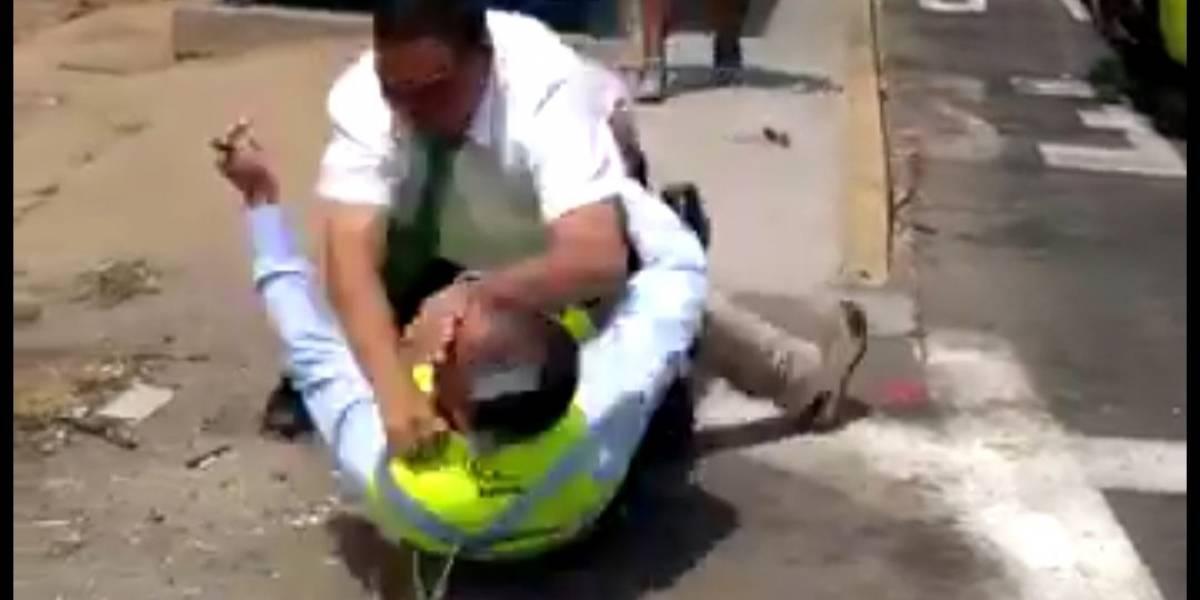 Violenta pelea entre conductor de TurBus y fiscalizador se toma las redes sociales