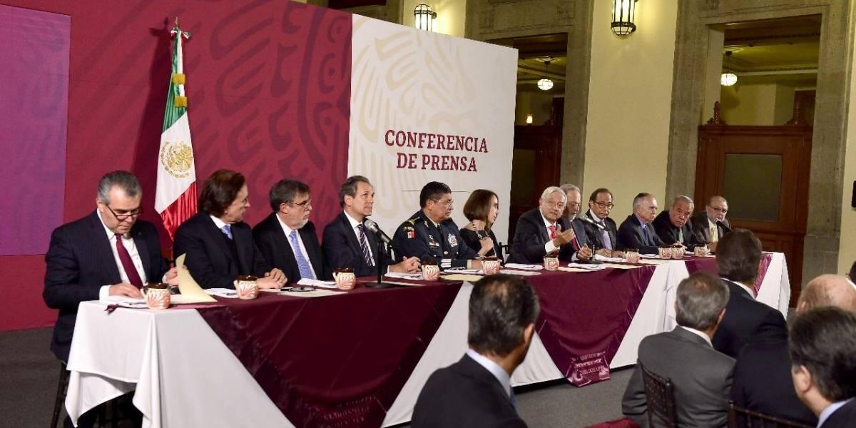 Slim, Azcárraga y más empresarios cenan con AMLO para comprar 'cachitos' para rifa
