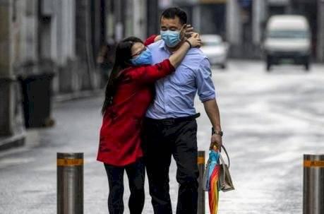 ¿Cómo festejan en China San Valentín por el coronavirus? EFE