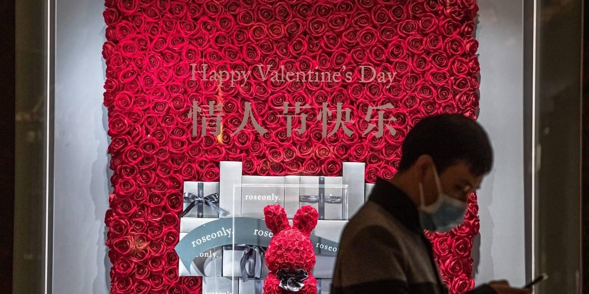 ¿Cómo festejan en China San Valentín por el coronavirus?