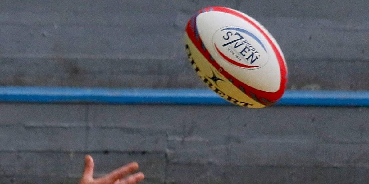 Fue a ver jugar a su nieto de 11 años y murió tras ser golpeada en la cabeza por un balón de rugby