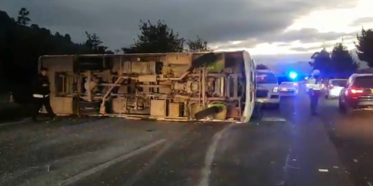 Emergencia: accidente en vía a Sopo deja 15 personas heridas