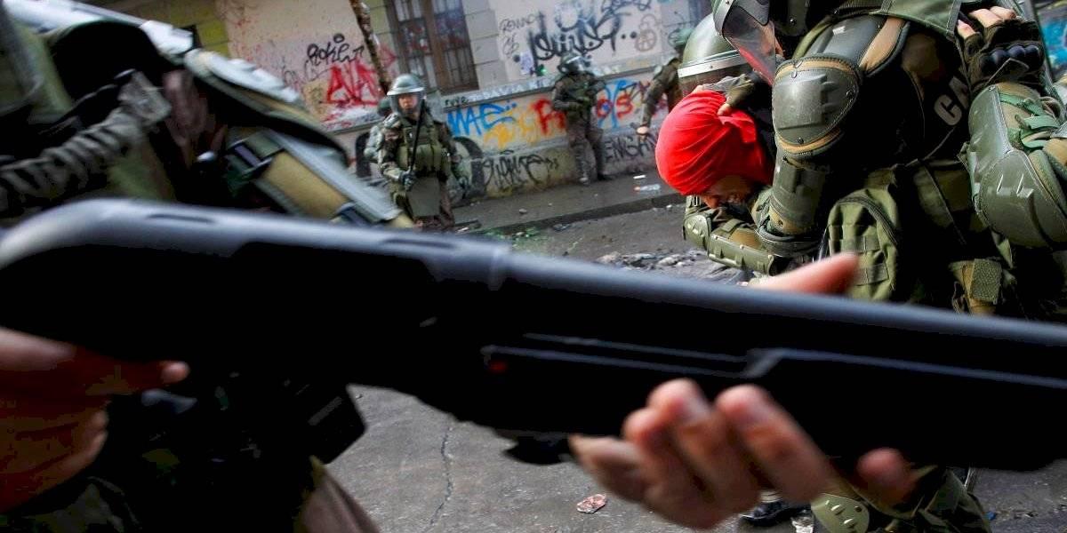 Quedaron con firma mensual, arraigo nacional y prohibición de acercarse a la víctima: formalizan a 4 carabineros por apremios ilegítimos a manifestante en Ovalle