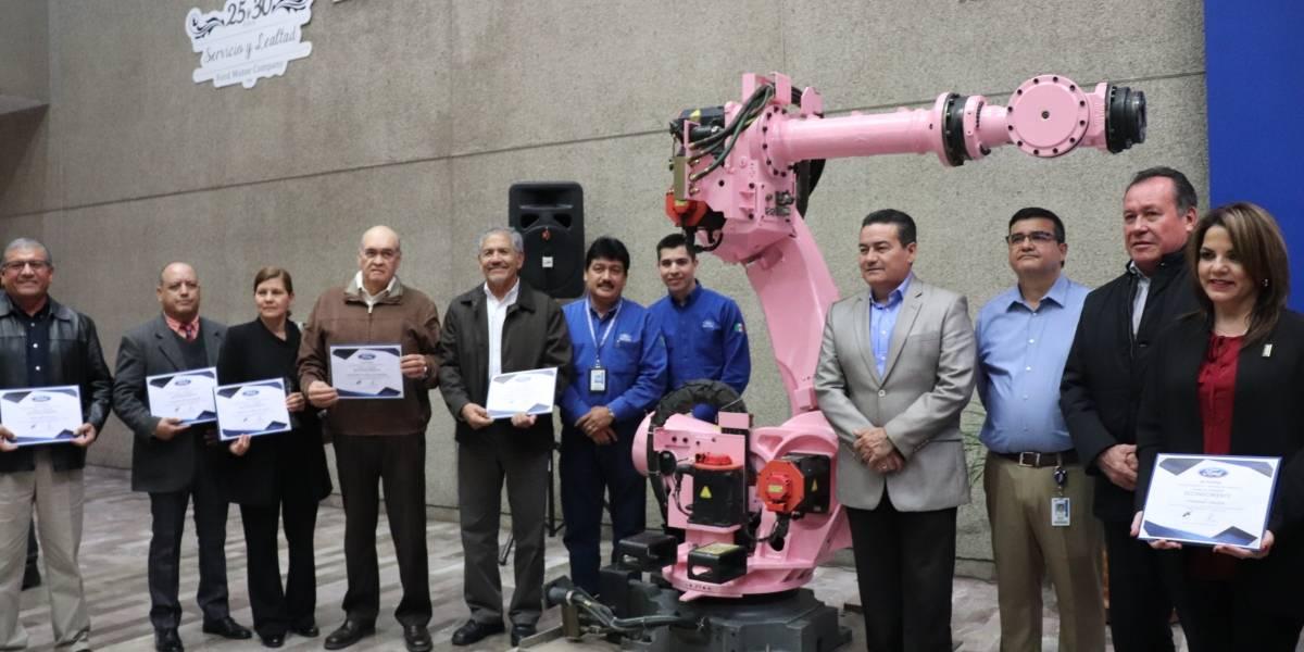 Ford ha donado ocho robots de manufactura a instituciones educativas en Sonora