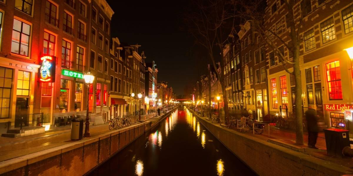 Amsterdã vai restringir acesso de turistas em bairro de prostituição