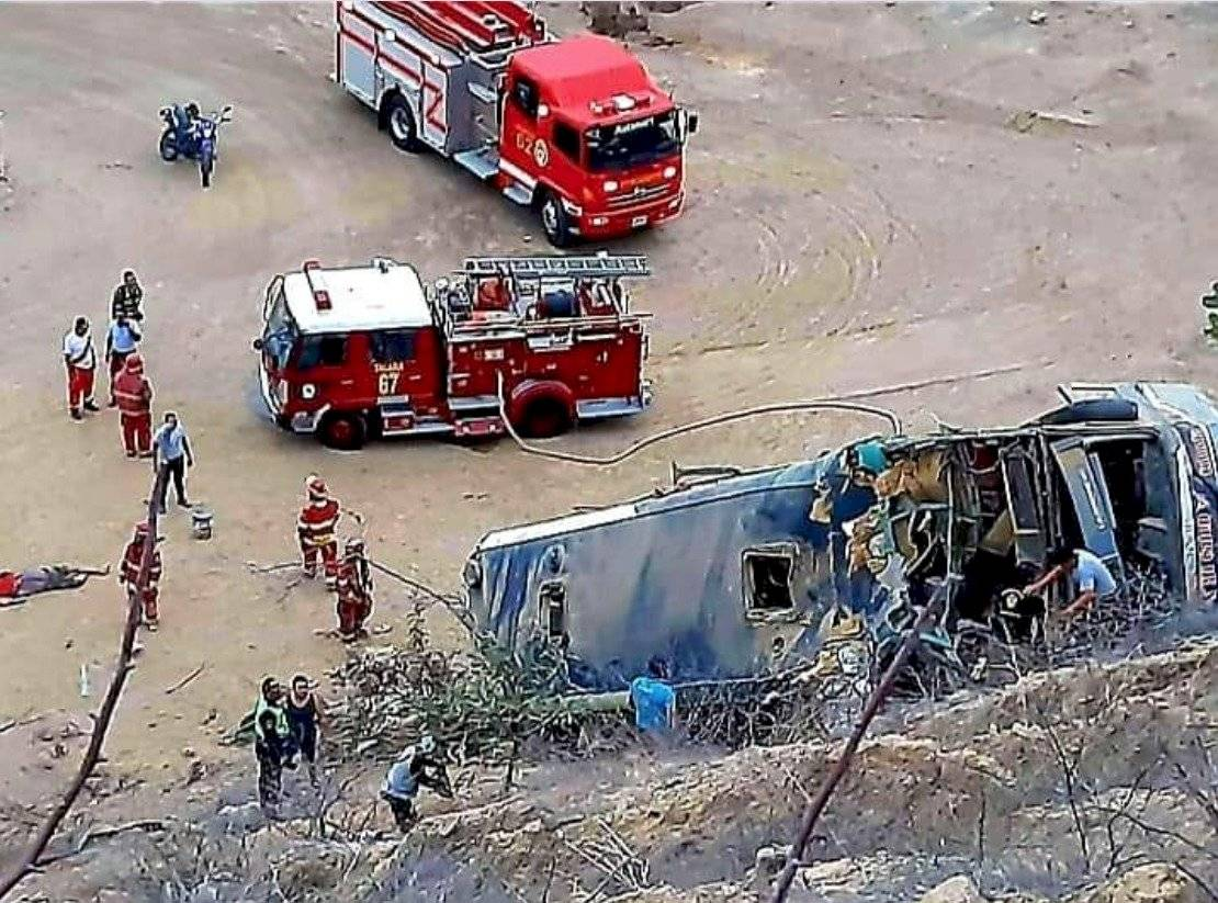 8 fallecidos tras accidente de bus con hinchas de Barcelona SC