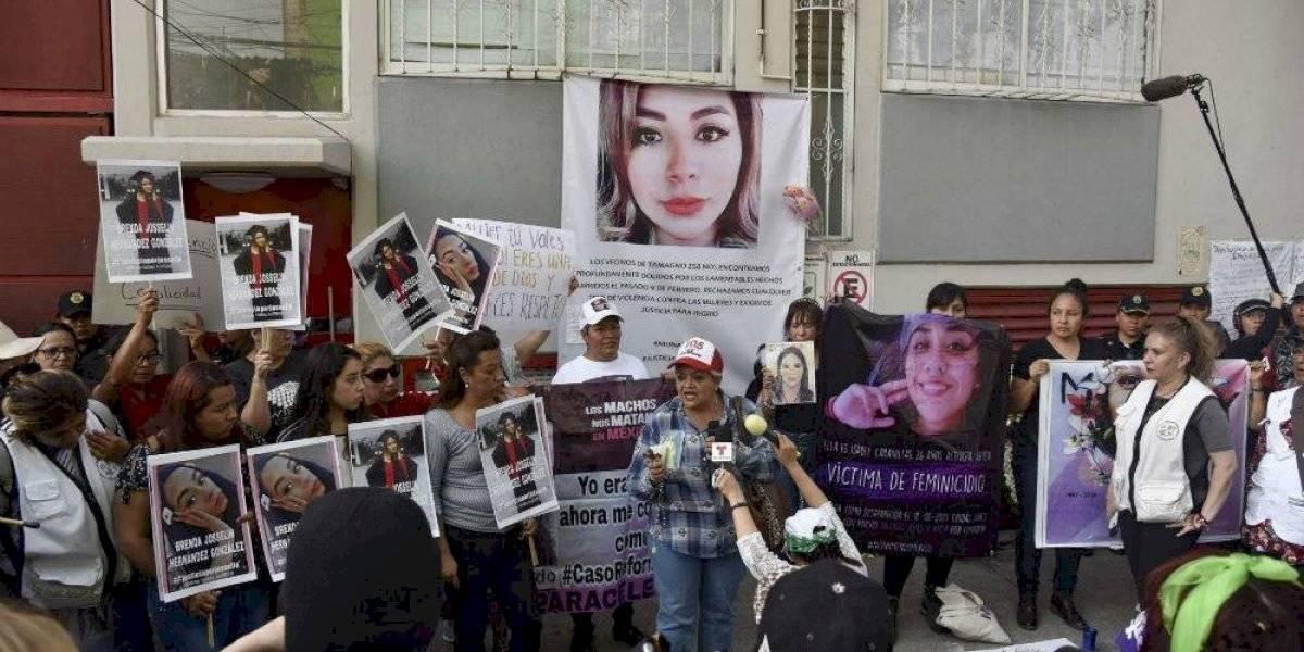 """""""Ni una asesinada más"""", mujeres realizan homenaje a Ingrid Escamilla"""