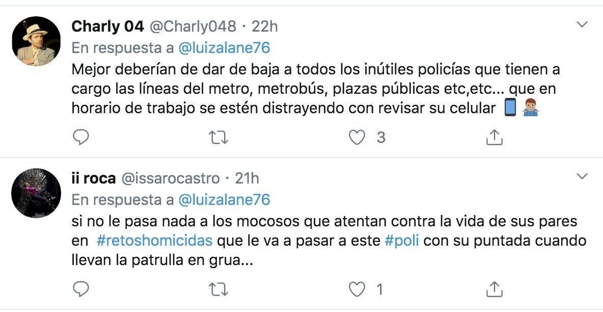 """Captan a policía de la CDMX """"conduciendo"""" su patrulla con el trasero"""