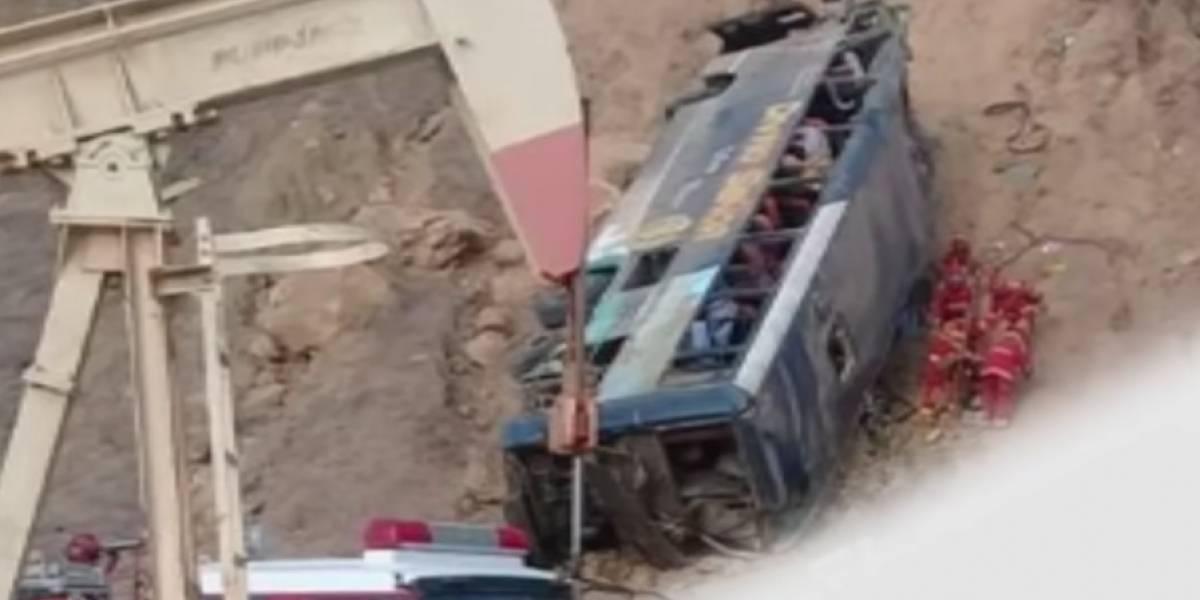 VIDEO: Aficionados de Barcelona mueren en accidente vial