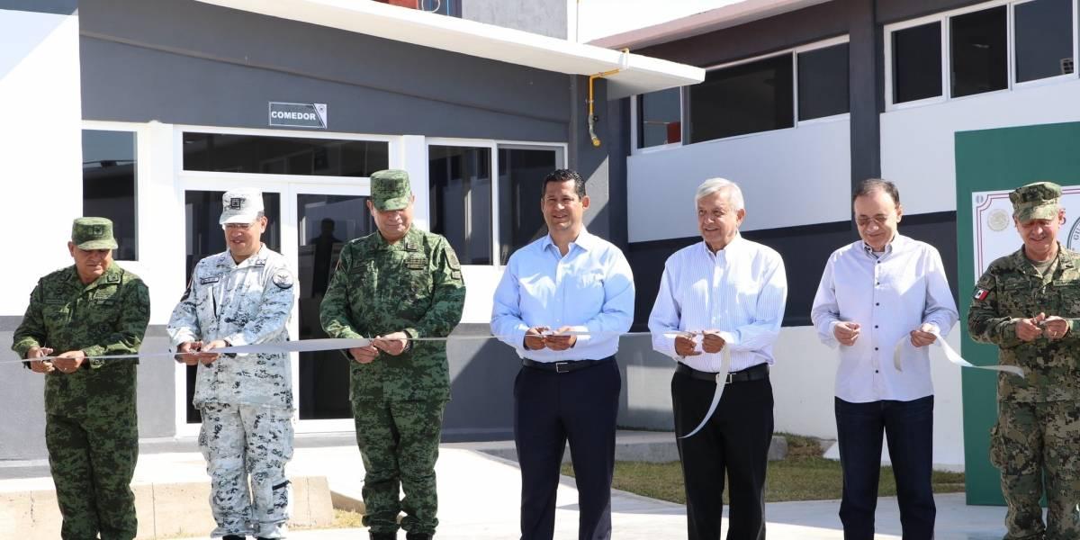 Entre gritos y abucheos, inauguran la primera base de la Guardia Nacional en Guanajuato