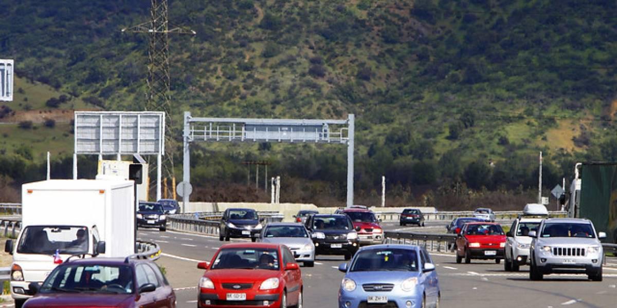"""""""Operación Retorno"""": Unos 322 mil vehículos regresarían este domingo a Santiago"""