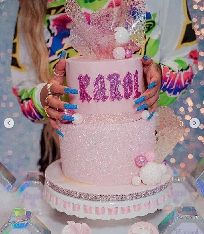 Pastel de Karol G