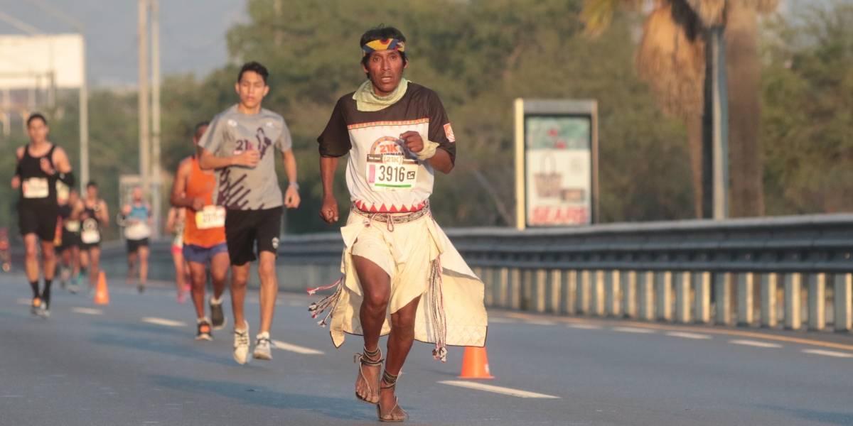 Pintan el Parque Fundidora con 21K Tarahumara