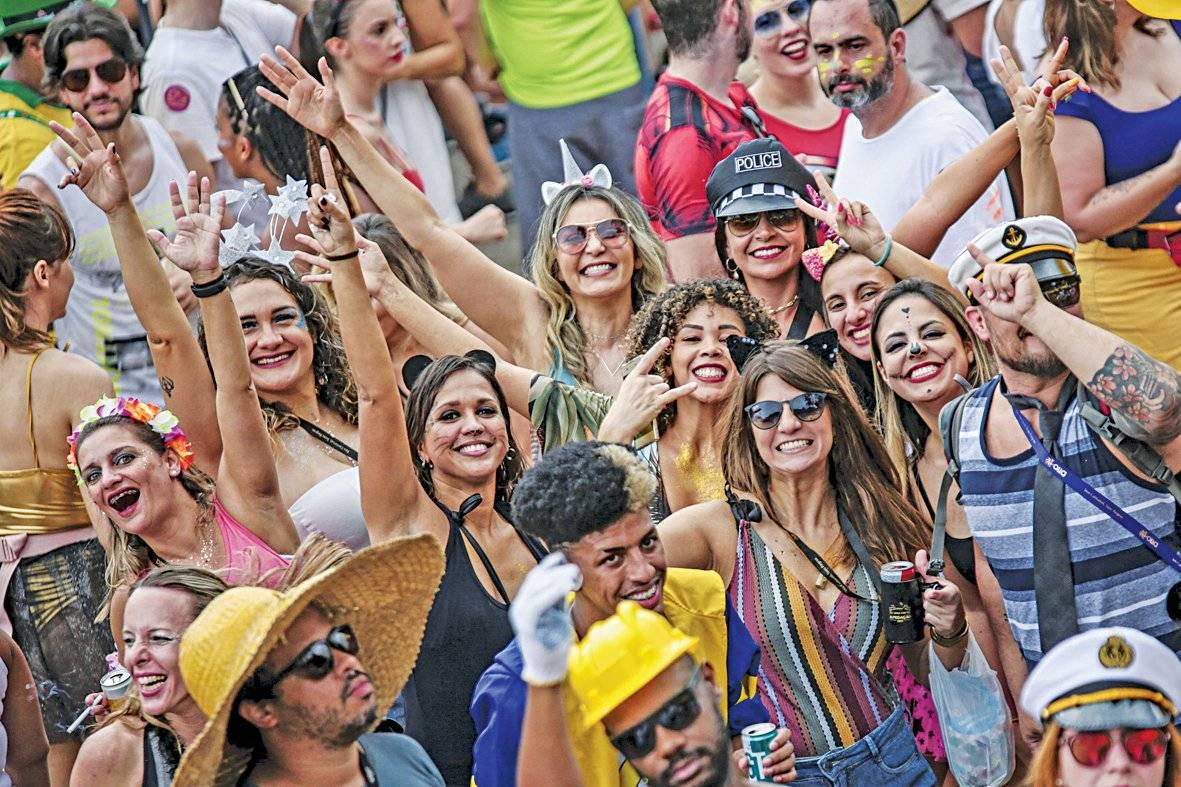 Público animado no Monobloco Suamy Beydoun/Folhapress