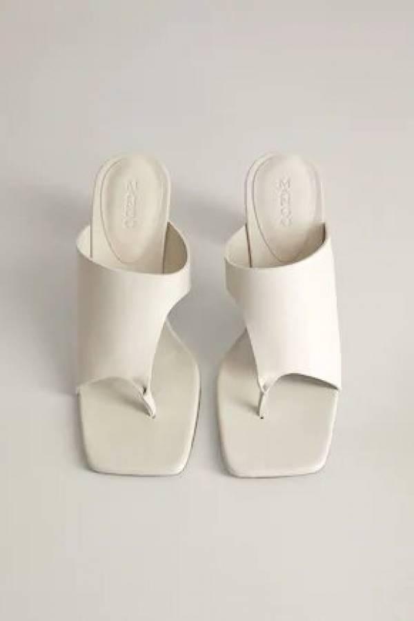 Zapatos con orificios
