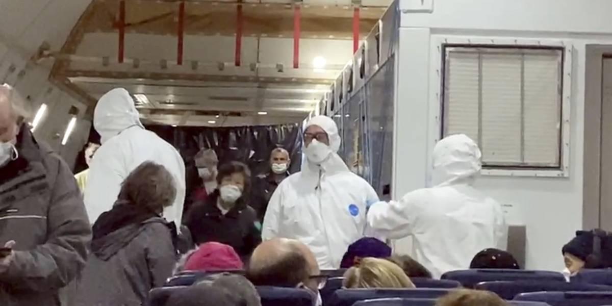 """""""Locura"""" por la arremetida del coronavirus: gente se encierra en cuarentena voluntaria en sus casas"""