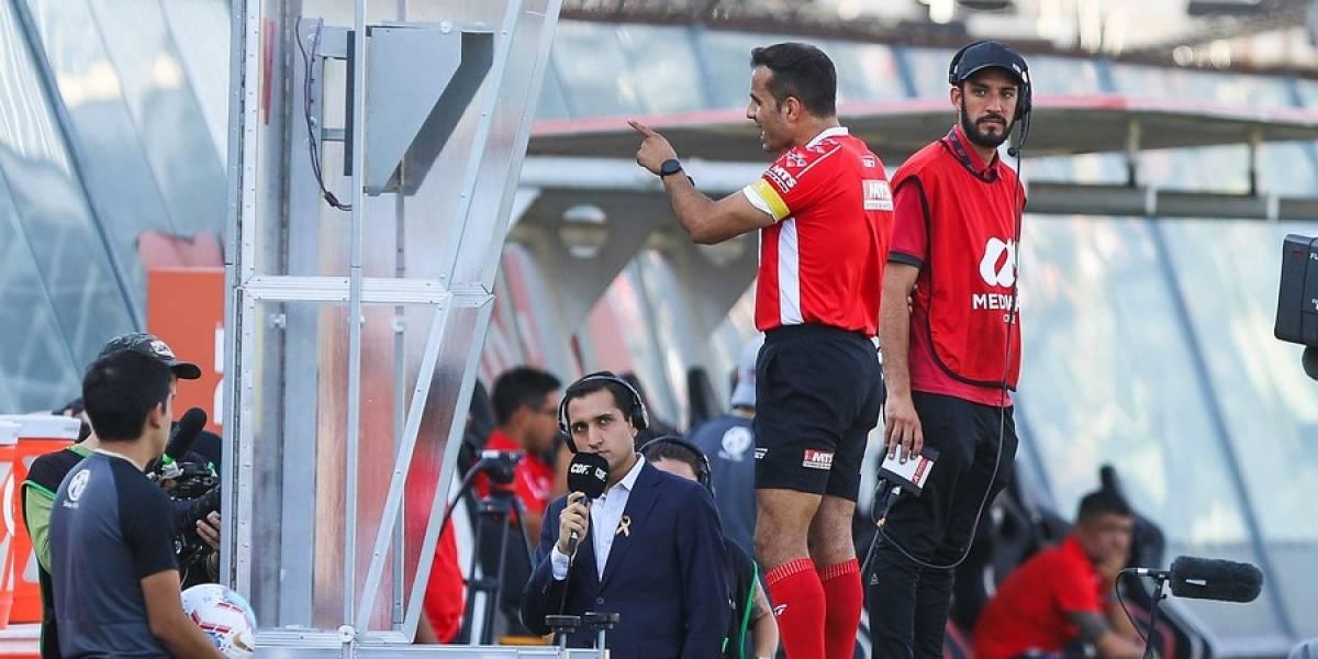"""Piero Maza sobre el penal no cobrado a la UC ante Colo Colo: """"Veo el contacto de Valencia primero con el balón"""""""