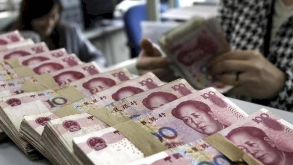 China destruye y desinfecta billetes para evitar la propagación del coronavirus
