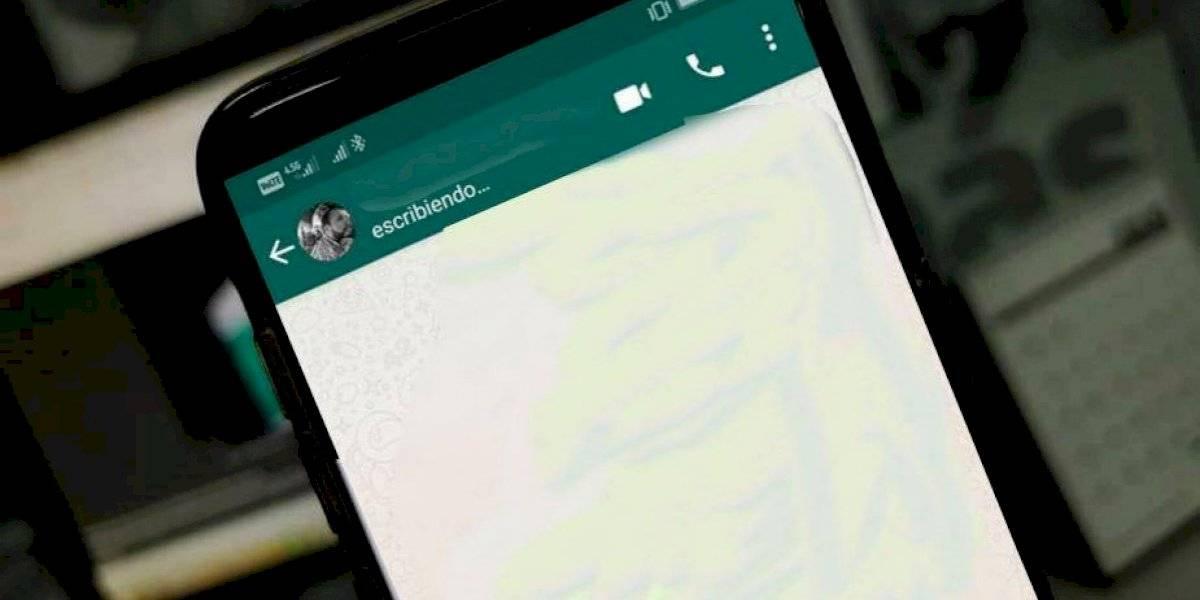 """Sin aplicaciones de terceros: así puedes ocultar el """"escribiendo"""" de WhatsApp"""