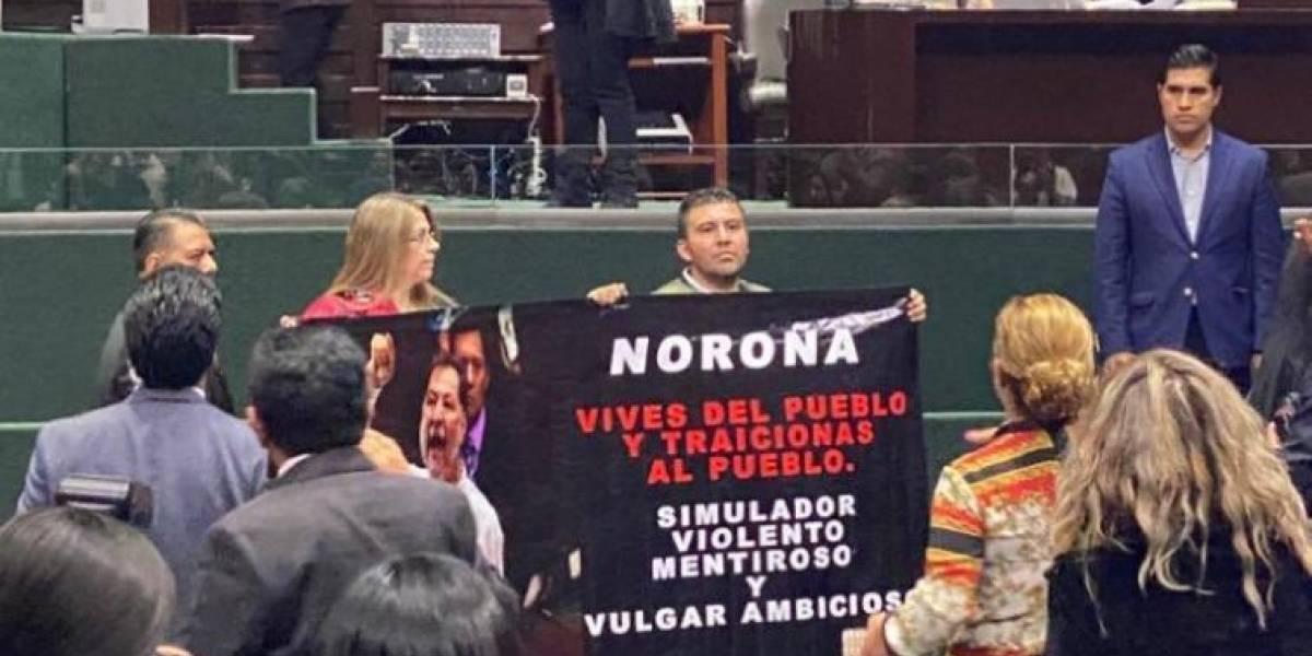 En plena sesión, ex pareja de Noroña lo acusa de violento y corrupto