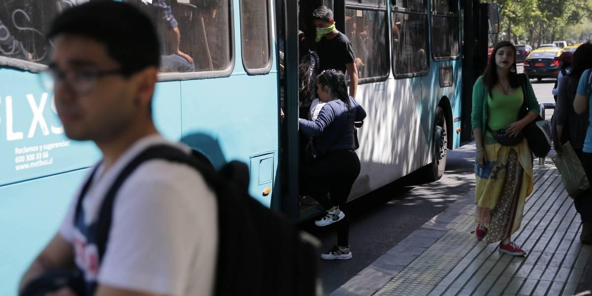 """Gobierno y posible aumento de tarifas del Transantiago: """"Si se empiezan a disparar los costos, evidentemente, habrá que revisarlo"""""""
