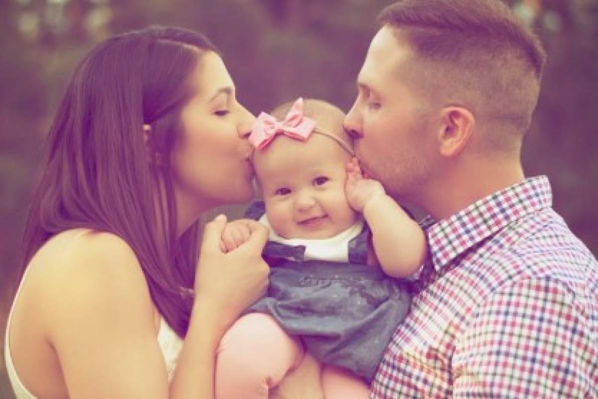 Mamá papá y bebé