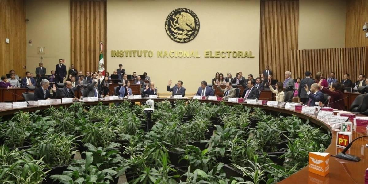 INE concluye depuración de padrones de partidos políticos