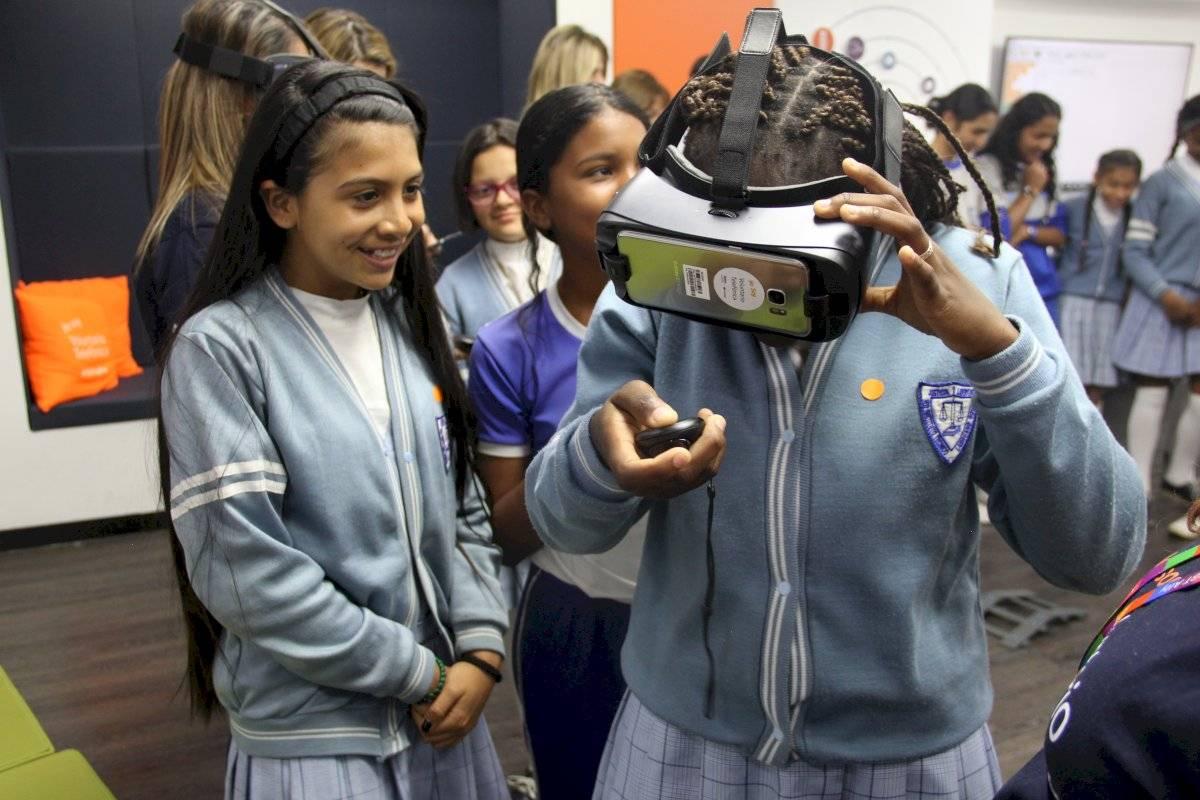 Bogotá cierra brechas digitales