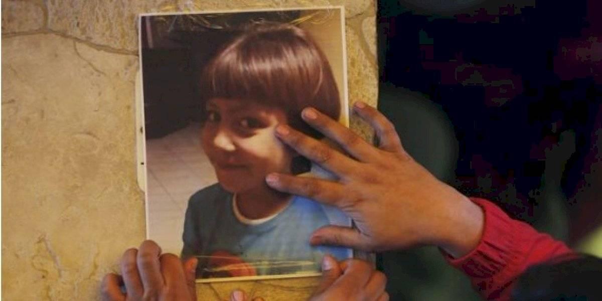 Fátima: violinista tocó emotiva melodía durante el funeral de la niña de siete años