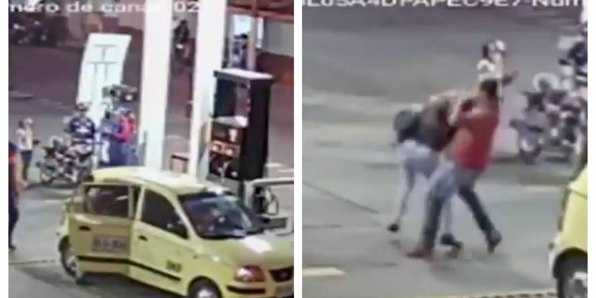 (VIDEO) Taxista agredió a pasajera por pagar con un billete de 50 mil