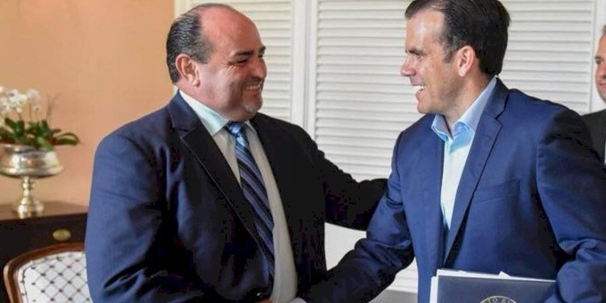 """Audio de alcalde prometiendo trabajo a quienes se pongan """"cuchillo en la boca"""" por él"""
