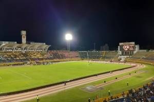 ¡Y es una final! Poca afluencia de hinchas en el estadio Atahualpa por la Recopa Sudamericana