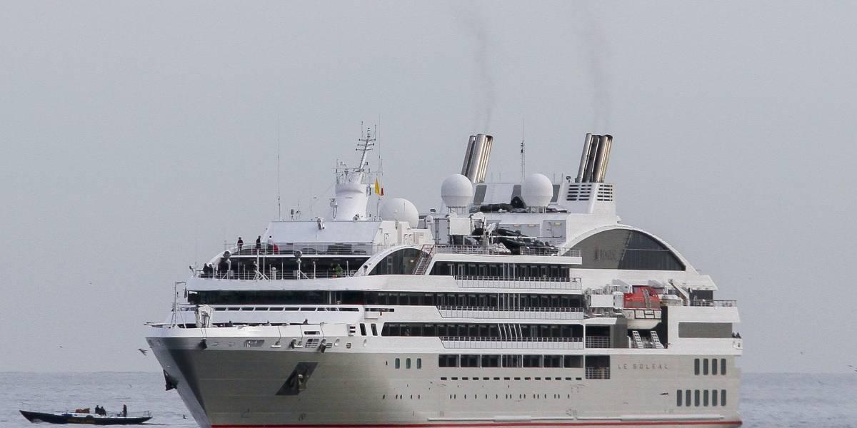Donde fallecieron dos pasajeros por coronavirus: pareja chilena logró desembarcar del crucero Diamond Princess