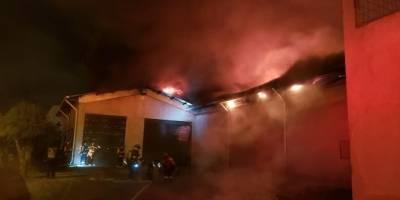 Incendio estructural en fábrica textil de Carcelén Industrial