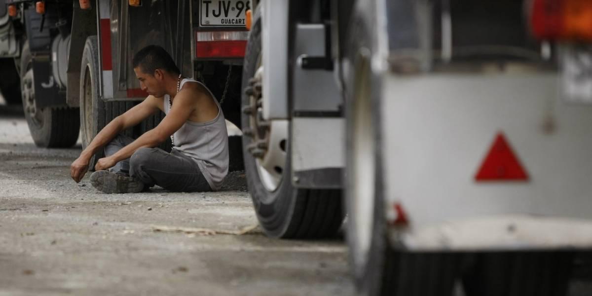 Las vías que siguen bloqueadas por protestas de camioneros en Bogotá