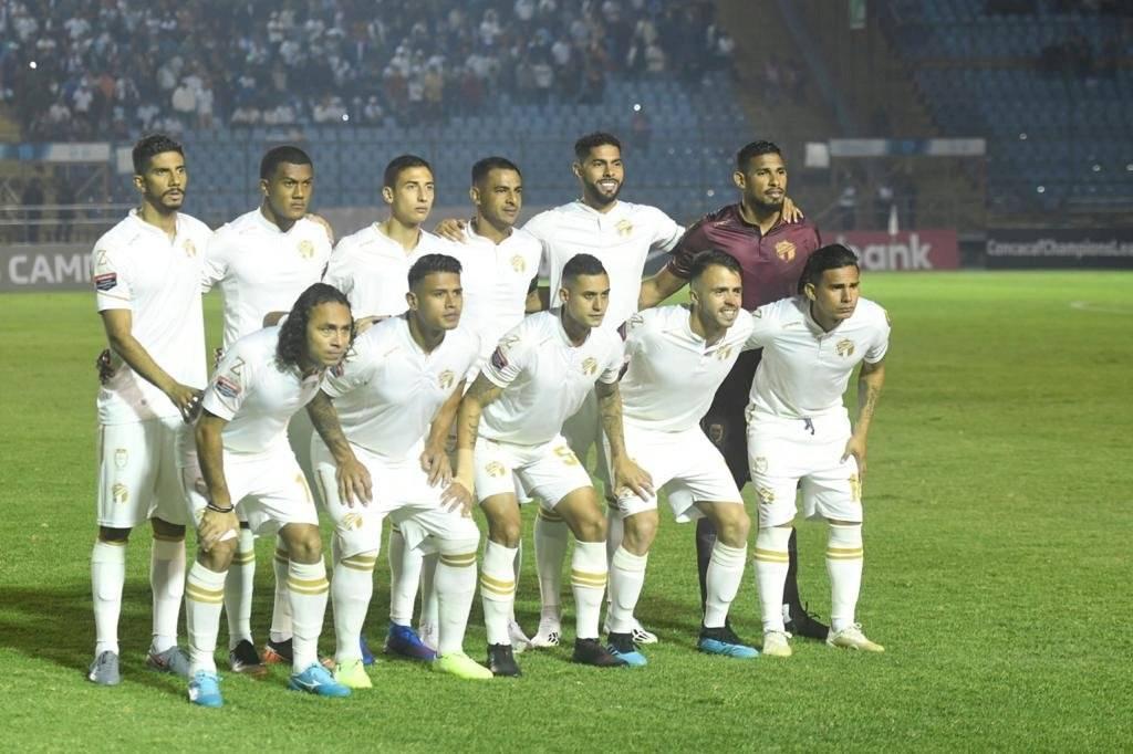 David Faitelson critica al futbol guatemalteco en el Comunicaciones-América