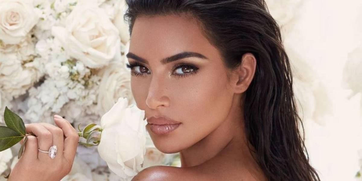 Kim Kardashian encanta a sus seguidores luciendo un diminuto bikini negro