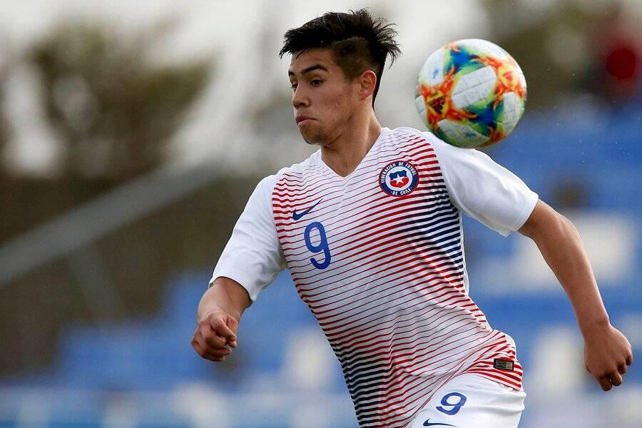 Alexander Aravena destacó en la Roja Sub 17 que disputó el Mundial de Brasil / Foto: Photosport
