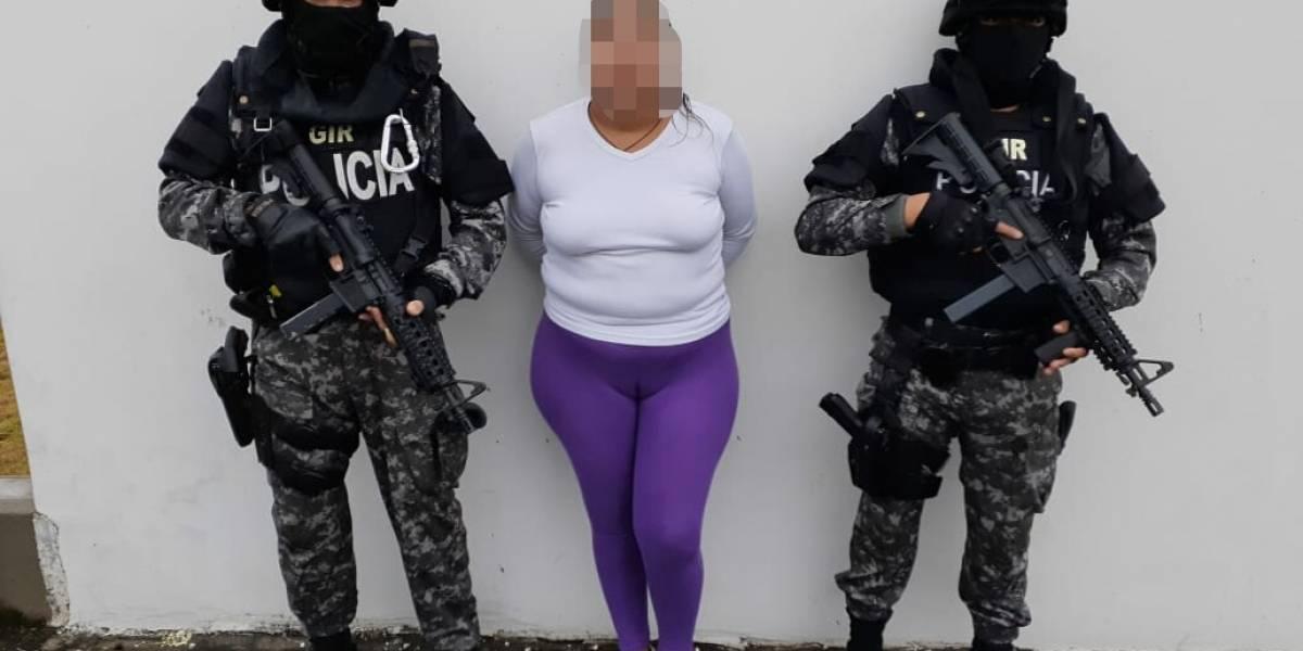 Policía captura a sospechosa de secuestrar a bebé recién nacida en Chone