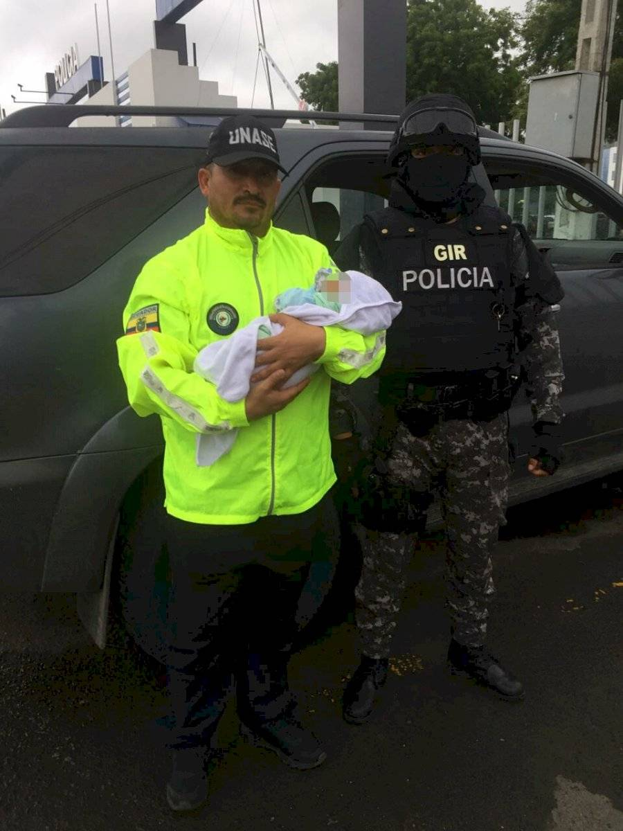 Policía captura a sospechosa de secuestrar a bebé recién nacida en Chone Cortesía