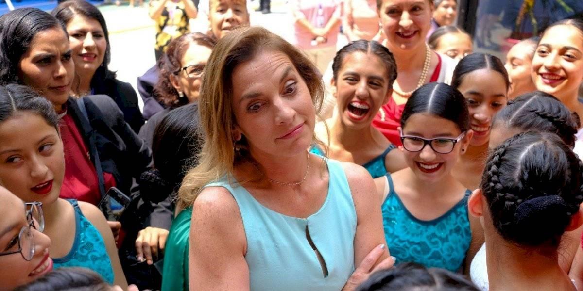 Cambia Beatriz Gutiérrez de postura tras llamar a 'Un día sin mujeres'