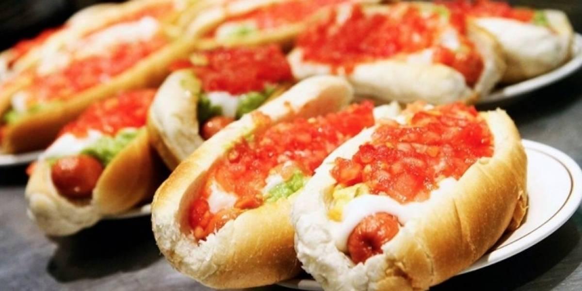"""Medio inglés destaca los 12 """"platos"""" que no te puedes perder de la comida chilena"""