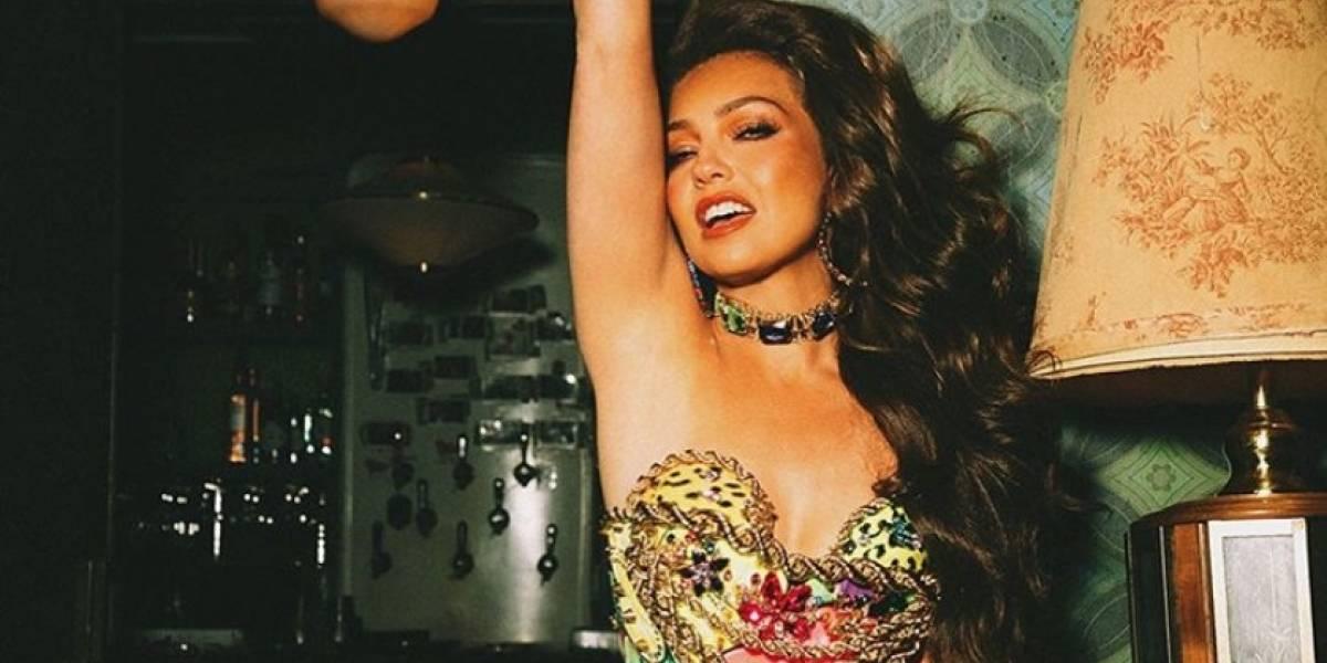 Thalía deslumbra con un vestido transparente en un gran evento