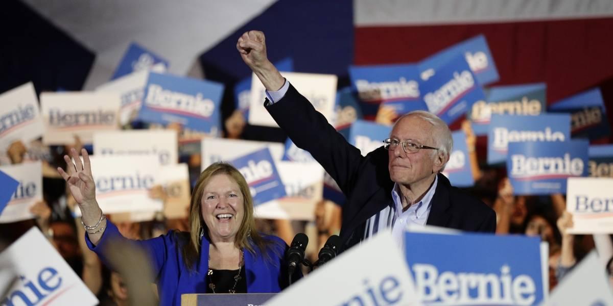 Sanders y Biden intensifican ataques en primaria demócrata