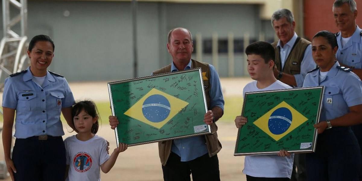 Coronavírus: brasileiros deixam quarentena na Base Aérea de Anápolis