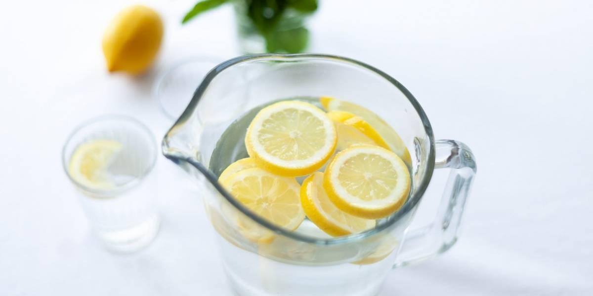 Por qué beber agua con limón te ayudará en tu dieta
