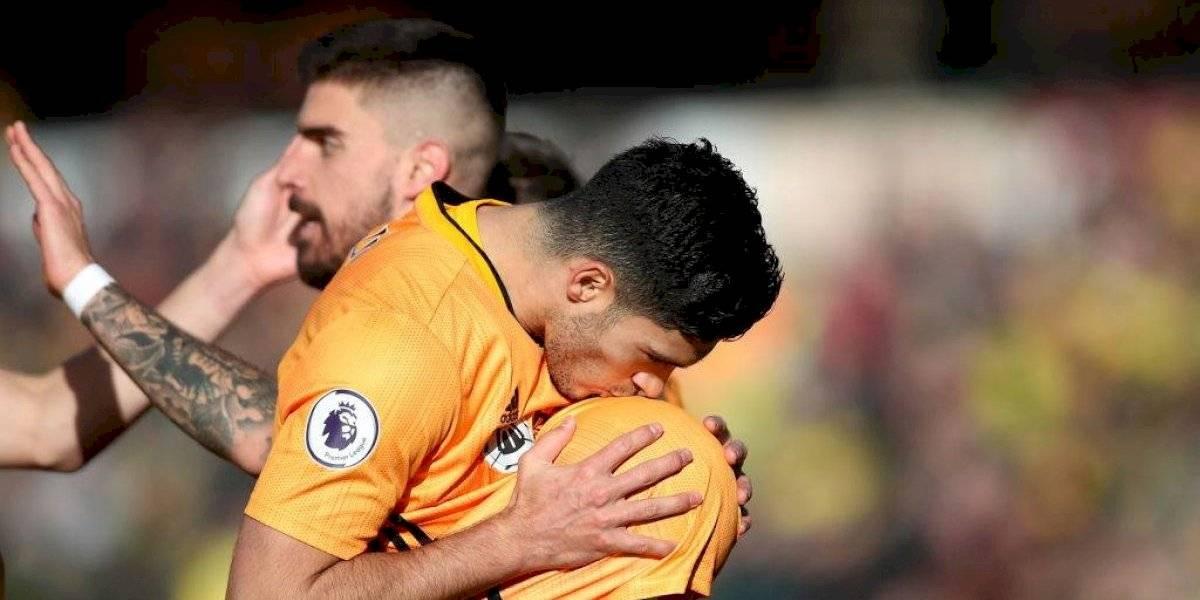 Raúl Jiménez rompió 'sequía' goleadora en victoria de Wolves sobre el Norwich