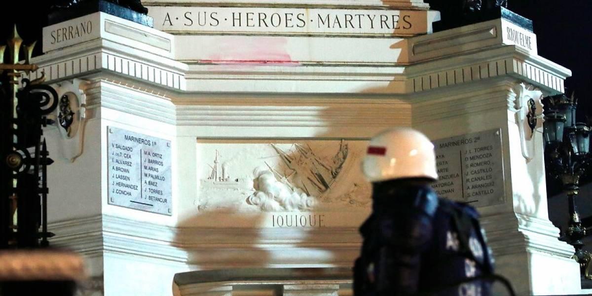 Gobierno se querella por Ley de Seguridad tras ataque a monumento en Valparaíso