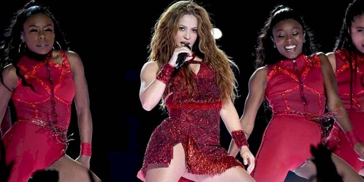 "Una guacamaya baila el hit ""Girl Like Me"" de Shakira"